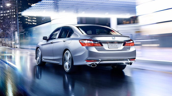 2016-honda-accord-sedan-rear-1